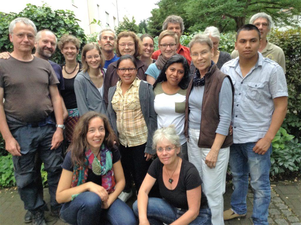 Ehrenamtlich Engagierte aus dem Weltladen mit Gleichberechtigungsreferat Marburg, Gästen aus Honduras und Nicaragua